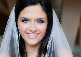 featured-bridal-hair-makeup-groomergirl
